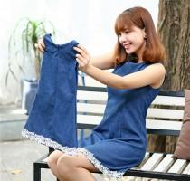 Đầm suông jean sành điệu dành cho mẹ và bé phối ren ngẫu nhiên